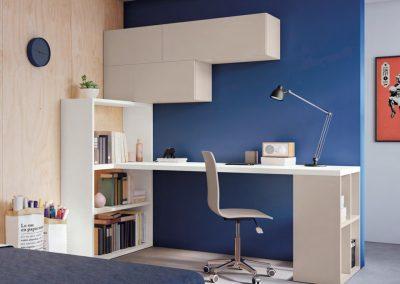 Teenager bedroom - homework station